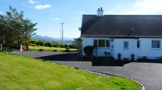 Welcome to our bed and breakfast accommodation here in Aultbea in Wester Ross amidst the magnificent scenery of the NW Highlands of Scotland.